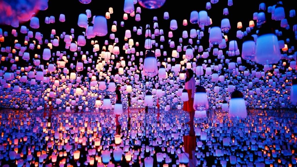 "Первый в мире музей Digital Art в Токио. <a href=""https://www.youtube.com/watch?v=tNvLFNHQ9Fg"">https://www.youtube.com/watch?v=tNvLFNHQ9Fg</a>"